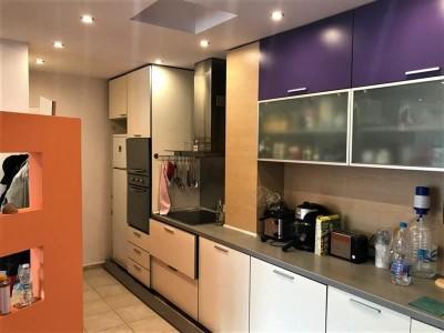 Тристаен апартамент на представителна локация