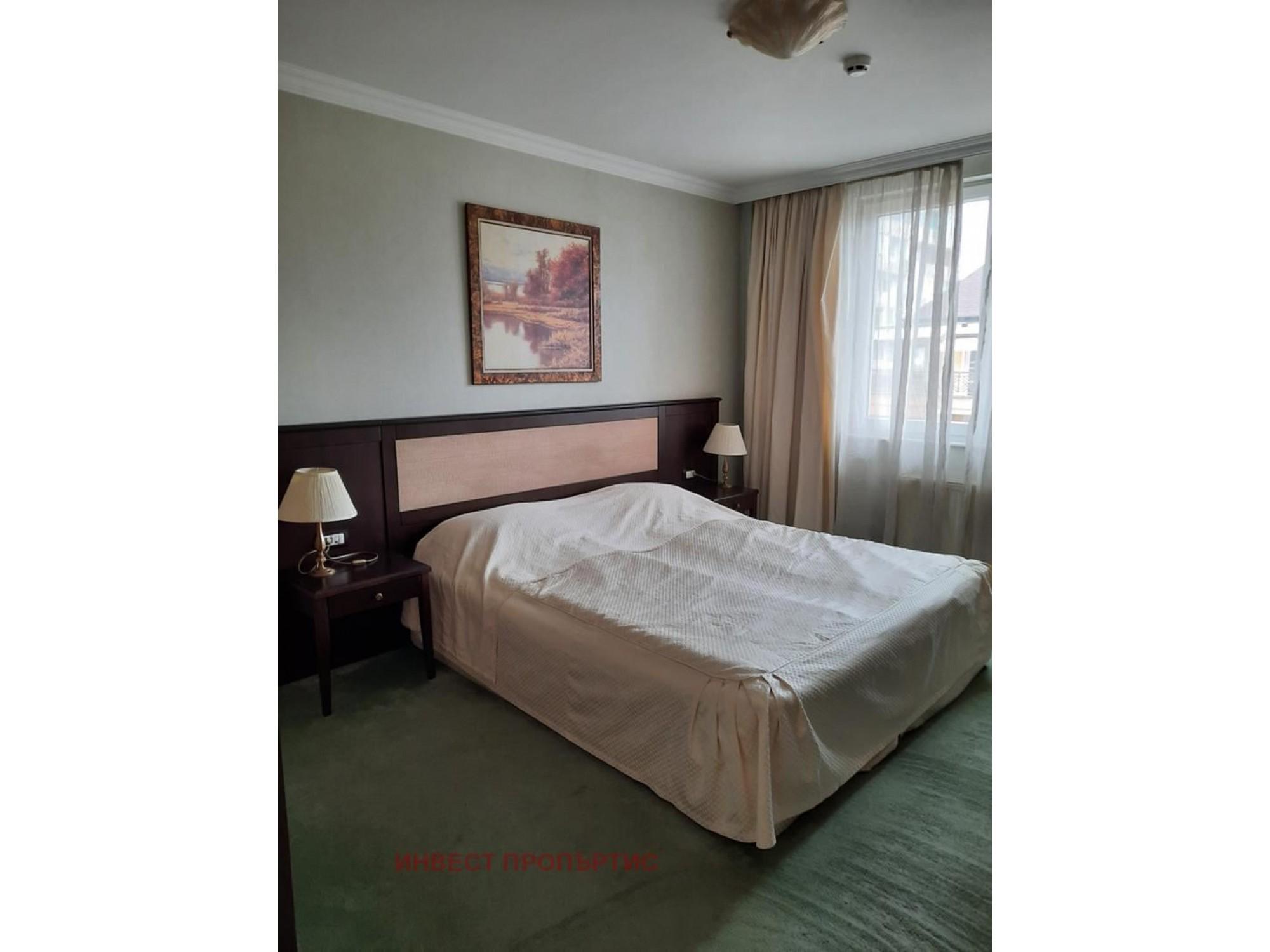 Обзаведен двустаен апартамент в затворен комплекс Феърплей