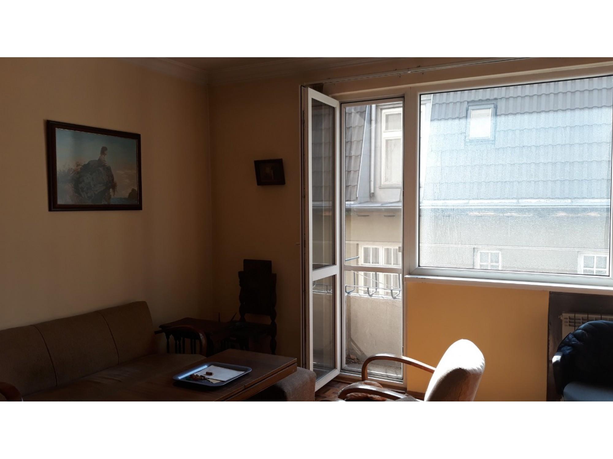 Просторен и светъл апартамен на ТОП локация