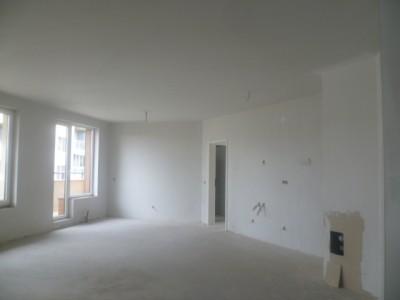 Апартамент с ТРИ спални в лукс сграда в ЛОЗЕНЕЦ