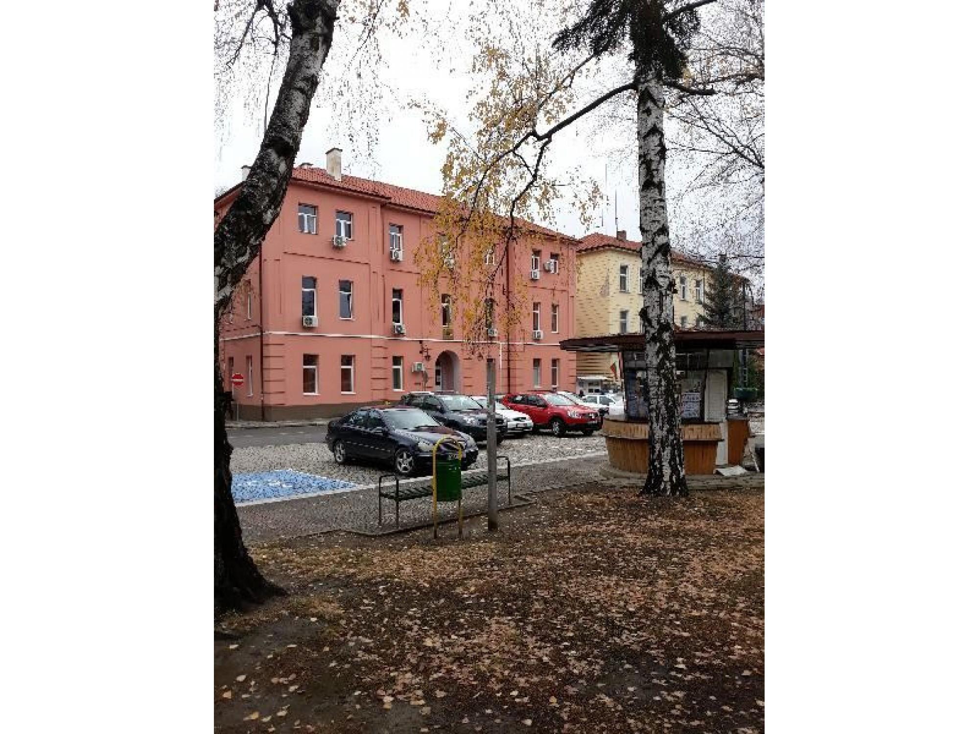 Етаж от къща в центъра на гр.Пирдоп
